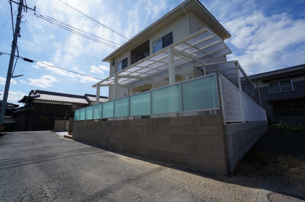 倉敷市 クローズ型の外構で防犯面も安心、安全になり快適になりました。